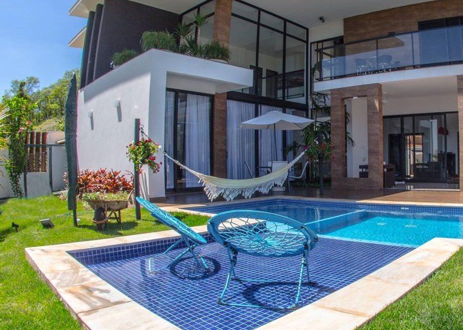 Construindo um ambiente aconchegante para a sua piscina