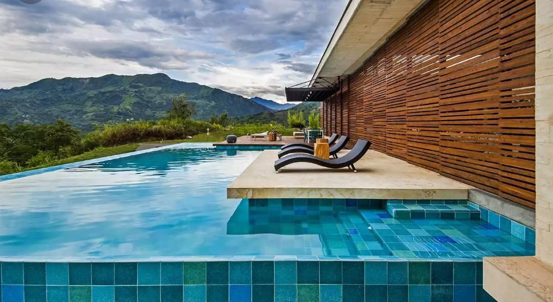 Construção de piscinas de Concreto: conheça o passo a passo!